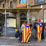 Mensen met Catalaanse vlag