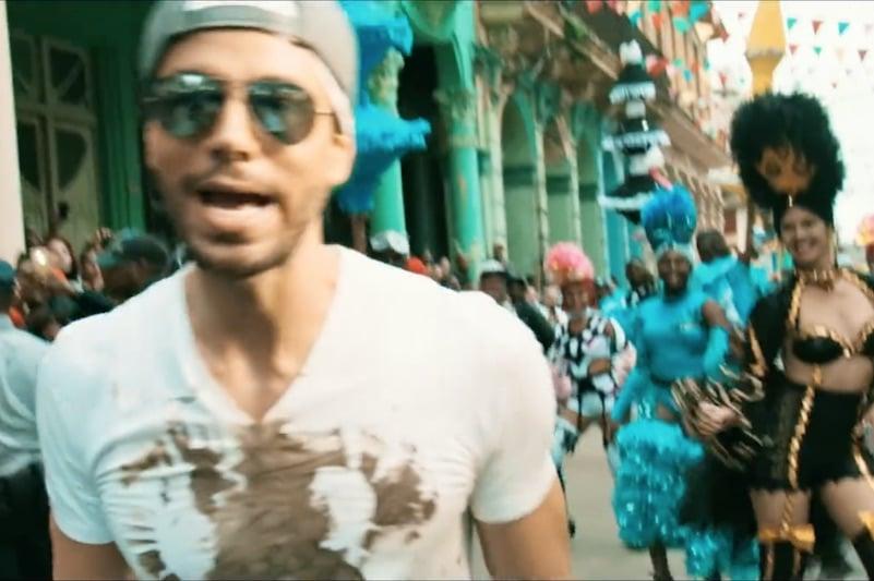 De 10 grootste hits van Enrique Iglesias (én zijn nieuwe single!)