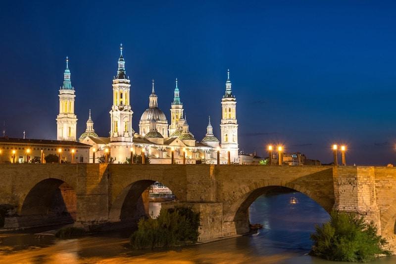 Zaragoza brug avond