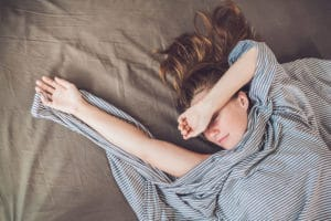 siesta vrouw in bed
