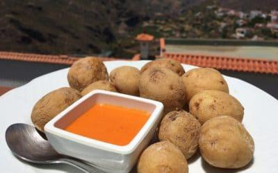 Recept: papas arrugadas con mojo picón (Canarische aardappeltjes)
