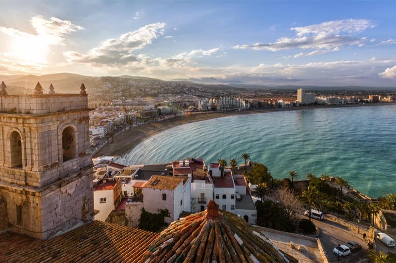 het strand vanaf een kasteel in valencia