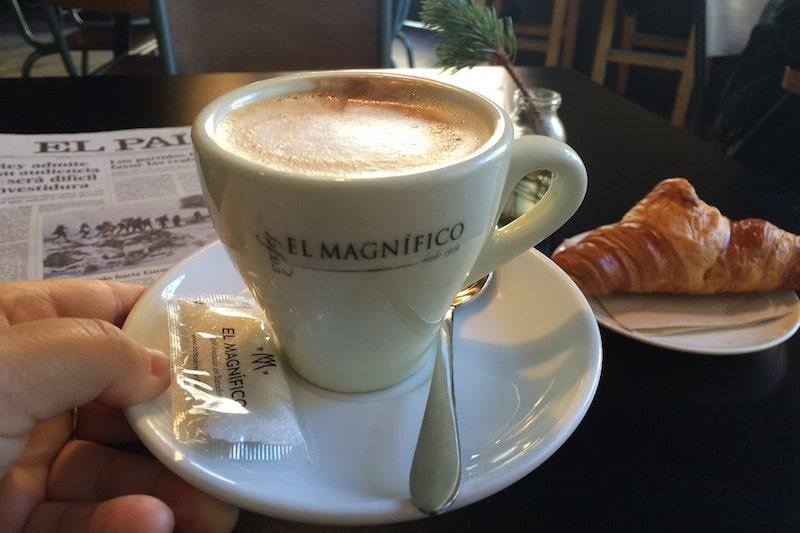 cafe con leche magnifico