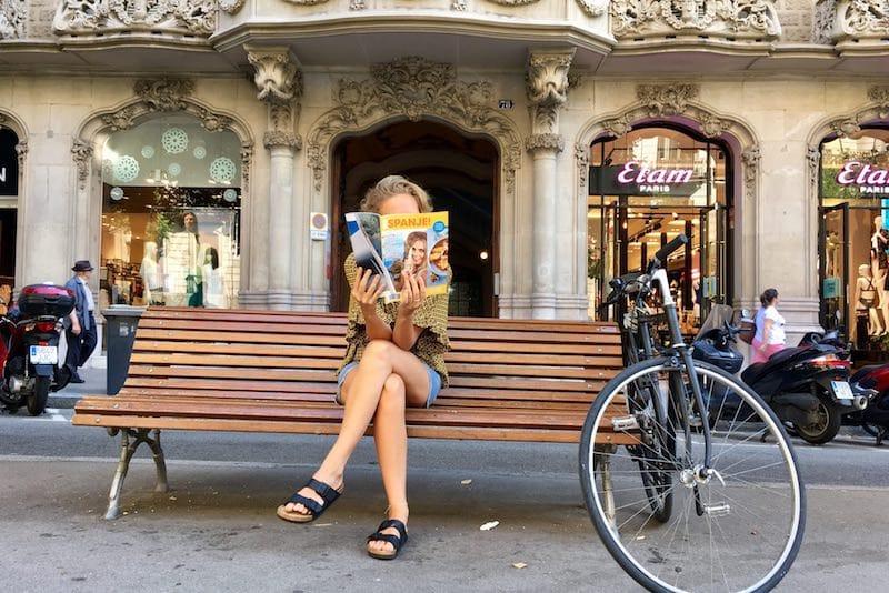 Fotowedstrijd: waar lees of koop jij ESPANJE! deze zomer?