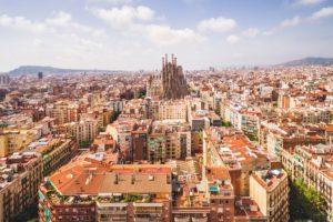 Sagrada Familia in Barcelona in de verte