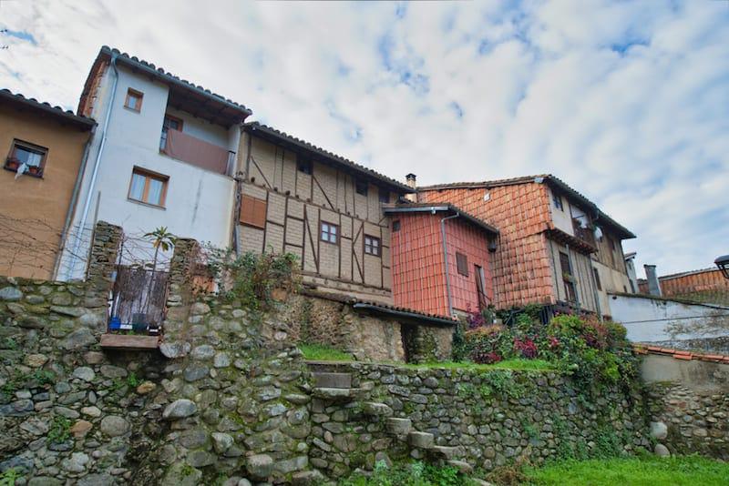 Huizen in Hervás dorp in Spanje