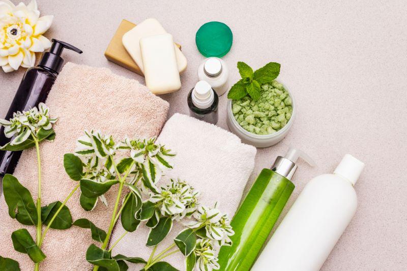 Zeep, handdoeken en kruiden
