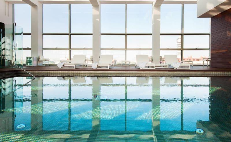 hotel-reina-patronila-zwembad