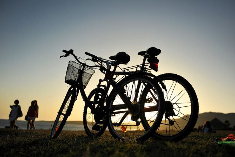fietsen-zonsondergang-andalusië