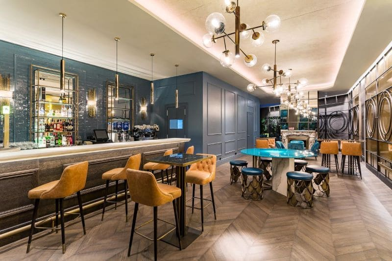 lobby-bar-eethoek-hotel-roommate-gorka
