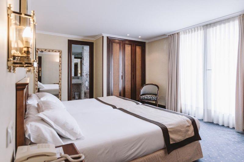 chique-hotelkamer-bed