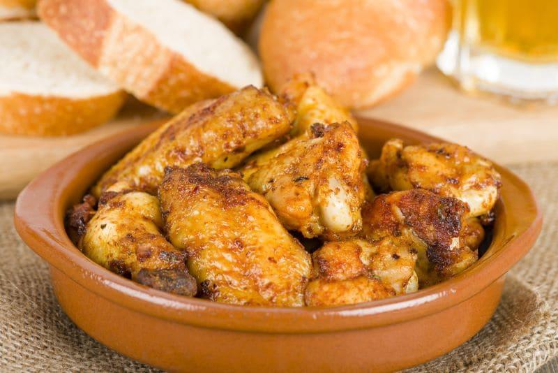 pollo-al-ajillo-geserveerd