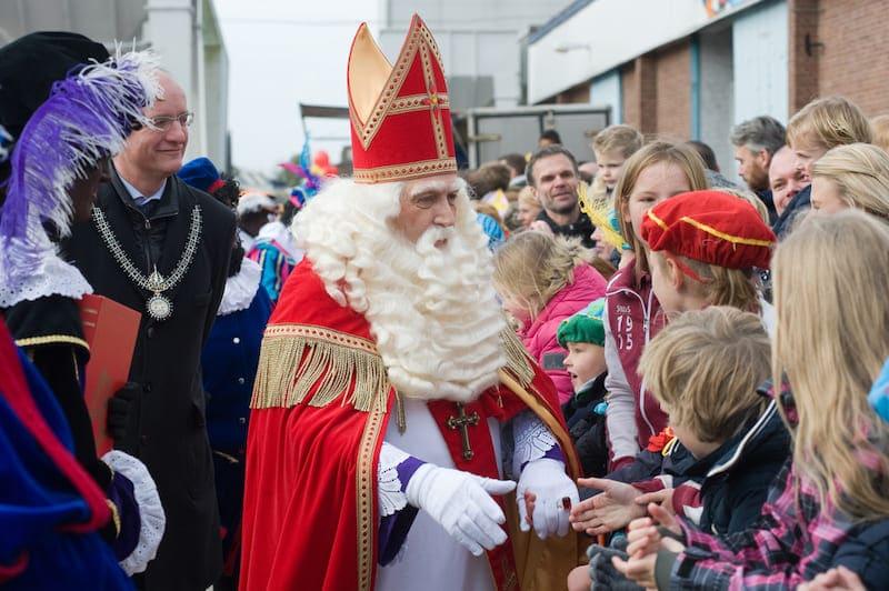 Waarom komt Sinterklaas eigenlijk uit Spanje?