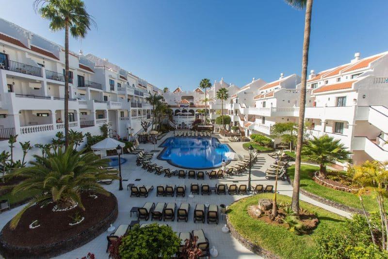 zwembad-hotel-buitenterras