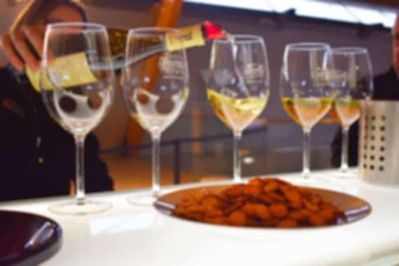 wazige-foto-inschenken-wijn