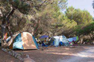 tenten-kampeerders-son-bou