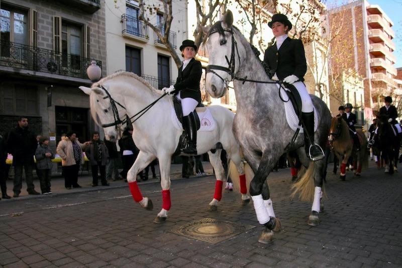Meisjes op paarden