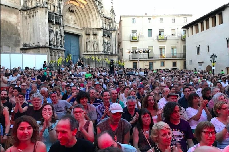 Mensen in Spanje tijdens traditionele dag