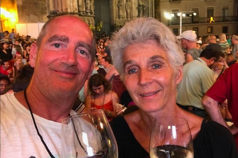 man en vrouw tijdens traditionele feestdag Vijazz in Spanje