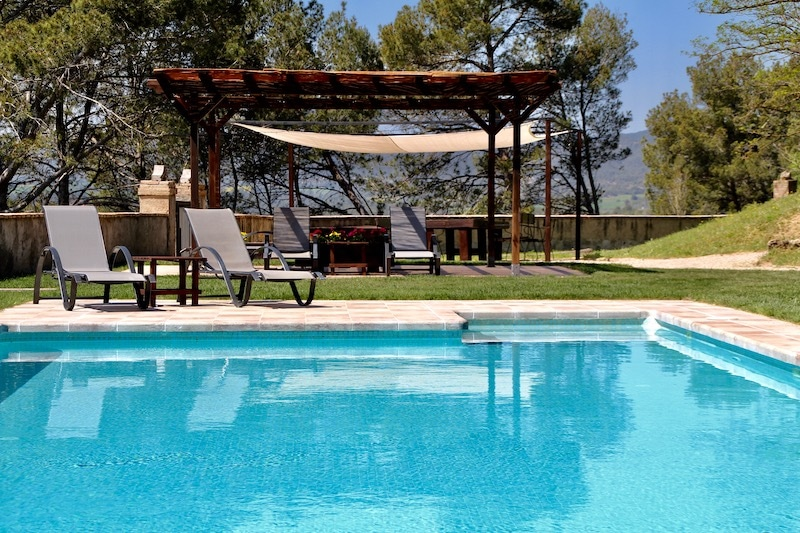 Zwembad in vakantie resort spanje