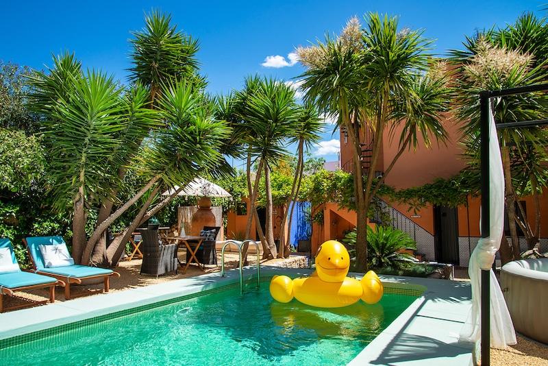 B&B Casa Con Destino zwembad tuin