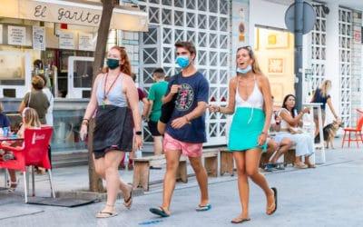 Mensen op straat in Spanje