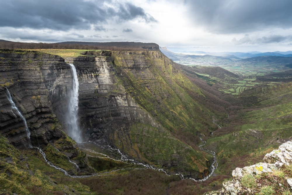 5 spectaculaire watervallen in Spanje die je gezien wilt hebben
