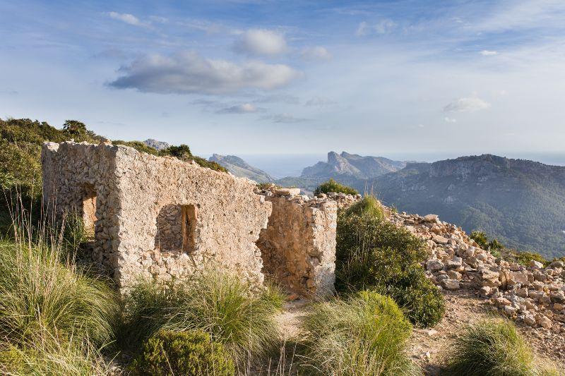 Ruïne huisje in Tramuntana gebergte op Mallorca