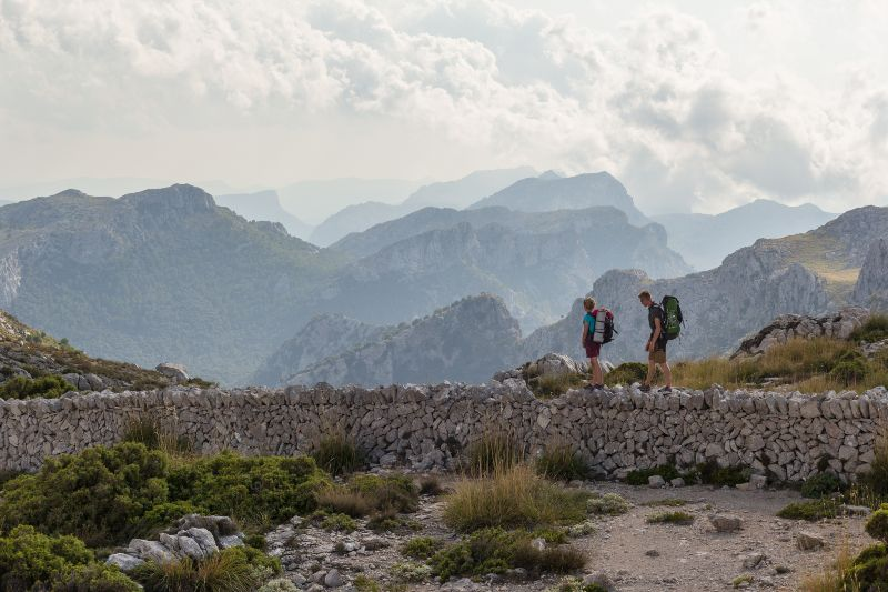 Wandelaars in het Sierra Tramuntana gebergte, Mallorca